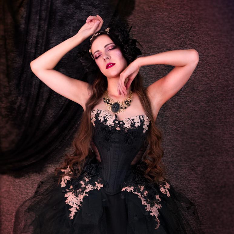 robe corset gothique noir romantique